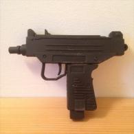 Clée USB 8go En Forme De UZI - Militaria