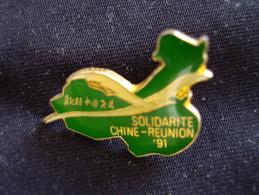 PIN´S SOLIDARITE CHINE REUNION 91 Ile De La REUNION - Pin's
