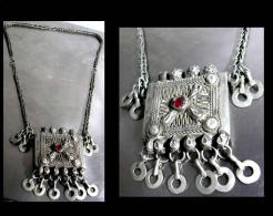 Ancien Collier Tadjik / Old Tadjik Alloy And Glass Necklace - Oriental Art