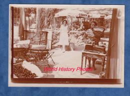 Photo Ancienne - AGAY Prés SAINT RAPHAEL - Une Femme Pese Des Fruits Sur Sa Balance - 1956 - Professions