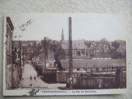 BERTH0814-37- CHATEAURENAULT - LA RUE DU BATARDEAU - Other Municipalities