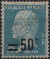 FRANCE Poste 219 * MH Louis PASTEUR Chercheur Savant Bactériologue Rage Surcharge - Unused Stamps