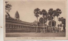 'ANGKOR VARH  FACADE BORD - Cambodge