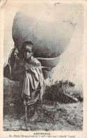"""Abyssinie - Petite Fille Apprtant De La Paille Dans Une """"nétséla"""", Toge - Ethiopie"""
