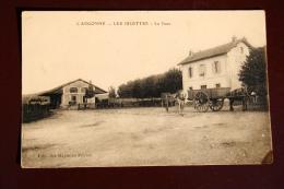 1 CP L'Argonne, Les Islettes, La Gare, Animée, Charrettes, Et Chevaux - Andere Gemeenten