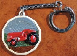 Tracteur Agricole : Ancien Porte-clé Tracteur Rouge En Relief (marque Inconnue) - Tracteurs