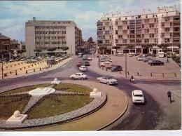 La Roche-sur-Yon.. Animée.. La Place Du Champ De Foire.. Voitures.. Cyclistes - La Roche Sur Yon