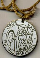 Orde Van Tijl Uilenspiegel- Medaillon In Verguld Metaal - Carnaval