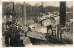 14. Caen. Le Débarquement Du Bateau Du Havre - Caen
