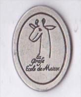 Beau Pin's école La Girafe à Maisse 91, Métal Signé J. BERTHOMIER Paris, 500 Ex. - Villes