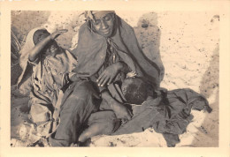 ¤¤  -  Cliche D'une Femme Africaine Donnant Le Sein  -  Allaitement  -  Voir Description  -  ¤¤ - Postcards