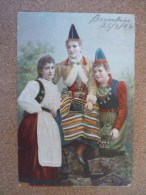 Costumes Traditionnels - Brindisi