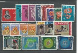 ANTILLES NEERLANDAISES, ** N°369/77 +381/91, TB - Antillen