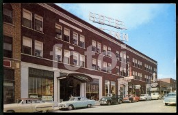 POSTCARD FAYETTEVILLE ARKANSAS HOTEL CARTE POSTALE AMERICAN USA CARS VOITURES PLYMOUTH  CHEVROLET FIRE CHIEF FORD - Fayetteville