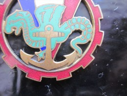 Insigne->�quipement militaire -Militaria arm�e fran�aise Marine >> regiment ? dragon croix de lorraine Bernardini