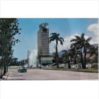 SDMTP0670C-LFTD7392TARSC.T ARJETA POSTAL DE VENEZUELA.Bonito Edificio,Plaza,Iglesia En CARACAS. - Edificios & Arquitectura