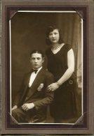 RETRATO-PORTRAIT PAREJA DE ENAMORADOS-PAIR OF LOVERS- COUPLE D' AMOUREUX-TEXTURE COUVERT NON CIRCULEE- CIRCA 1920-GECKO. - Koppels