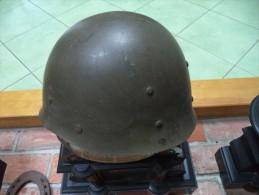 A Identifier-determiner-casque Marque At 1954 Ou Atc Le C Ressemblant  A Un Croissant - Headpieces, Headdresses