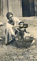 Ceylan - Morning Bath - Ethnique - Bain Bébé Dans Une Bassine - Afghanistan
