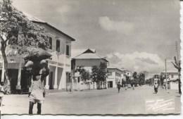 CPA - CATONOU - UNE RUE   - EDITIONS R. ROUINVY - Dahomey