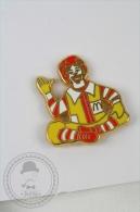Ronald McDonald´s Advertising - Golden Colour Pin Badge #PLS - McDonald's