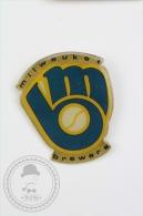 Milwaukee Brewers Basseball Team - Pin Badge #PLS - Béisbol