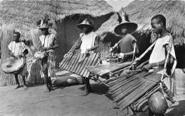 ¤¤  -  2740   -  L'AFRIQUE NOIRE  -  Musiciens Au Village  -  Instruments De Musique   -   ¤¤ - Postcards