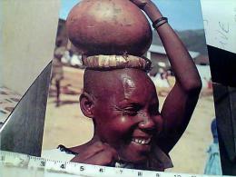 RWANDA FEMME AVEC CALEBASSE DE TERRE ZUCCA  X ACQUA BERE  V1982 EM9269 - Rwanda