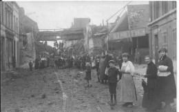 ROUBAIX : Guerre De 1914-1918 - Rare CPA Photo Non Utilisée - Civils Devant Pont Détruit - Roubaix