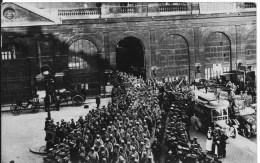 LILLE : Guerre De 1914-1918 - Prisonniers Sortant De La Gare -  CPA Photo Non Utilisée - Lille