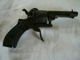 Revolver à Broche Type LEFAUCHEUX  Pour Pièces Ou à Restaurer - Decotatieve Wapens