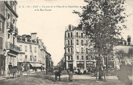 Pyrénées-Atlantiques : Pau, Un Coin De La Place De La Republique Et La Rue Carnot - Pau