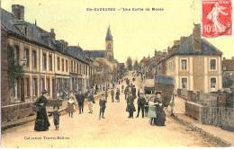61 SAINTE GAUBURGE   SORTIE DE MESSE - France