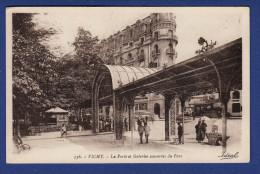 03 VICHY Porte Et Galeries Couvertes Du Parc - Animée - Vichy