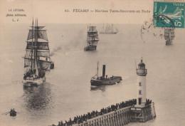 FECAMP 76 ( TERRE NEUVIERS EN RADE ) BATEAUX DE PECHE DE  TERRE NEUVE VOLIERS REMORQUEUR 1912 - Fécamp