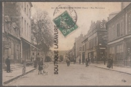 18----SAINT AMAND MONTROND--Rue Nationale--animé--léger Plie Angle Droit-visible Au Verso--pas Courante - Saint-Amand-Montrond