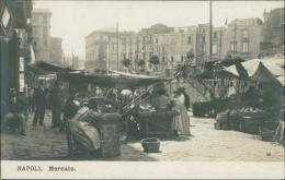 ITALIE NAPOLI / Mercato / - Napoli