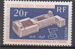 TAAF                N° 32  ....OIT................ Belle Gomme D´origine....... COTE   28E - Unused Stamps