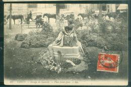 N°197  -  Nancy  -  Grtoupe Du Souvenir - Place Saint Jean    Eak113 - Nancy