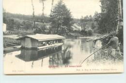 GUERARD  - Un Bateau Lavoir. - France