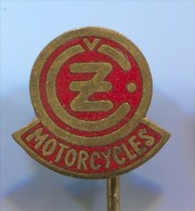 Motorbikes, Motorcycle - CZ, Czechoslovakia, Pin, Vintage Badge, Enamel - Motos