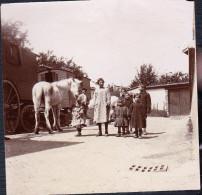 RILLY LA MONTAGNE PHOTO UNIQUE DE 1898 A 1902 ROULOTTE ET ENFANTS MR COUVREUR PERRIN - Photos