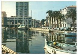 Cpsm: 83 LA SEYNE (ar. Toulon) Le Port - La Mairie (animée, Voitures)  1971 N° 4221 - La Seyne-sur-Mer