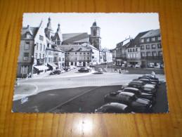 Juva 4, Peugeot 403, Aronde, 2CV...hôtel Restaurant Terminus, Pharmacie Ste Marie... Place De La Victoire à Saint Avold - Saint-Avold