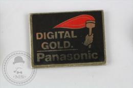 Digital Gold. Panasonic - Pin Badge #PLS - Marcas Registradas