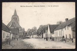 CPA. Dépt.62. BERLES - MONCHEL. La Rue Principale(Petite Animation) - France
