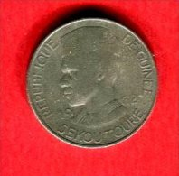 10 FRANCS1962 TB  12 - Guinée