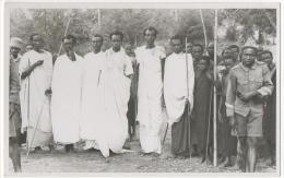 Carte Photo. Congo. Groupe De Guerriers ? A Situer. - Afrique