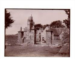 Photographie  Henvic , Vers 1905, Format  Env. 13 X 18 Cm ( Eglise Détruite - Chevet Et Nef - Vers 1909 ) - Photos