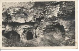 MELLE. (D.-Sèv.) -  Les Grottes - Melle